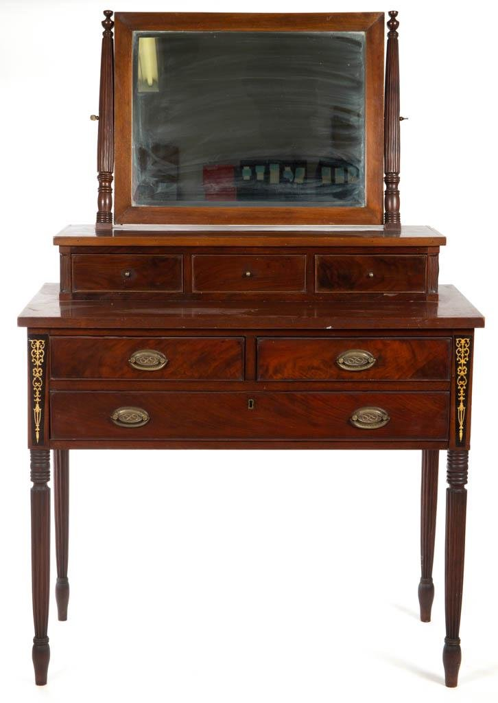AMERICAN FEDERAL-STYLE INLAID MAHOGANY DRESSING TABLE