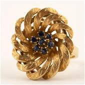 VINTAGE ITALIAN 18K YELLOW GOLD AND SAPPHIRE LADYS
