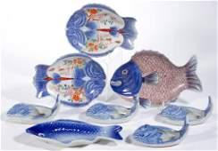 JAPANESE MEIJI / TAISHO-PERIOD PORCELAIN FISH-SHAPED