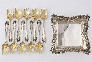 """HOWARD STERLING CO. """"QUEEN"""" STERLING SILVER ICE CREAM"""
