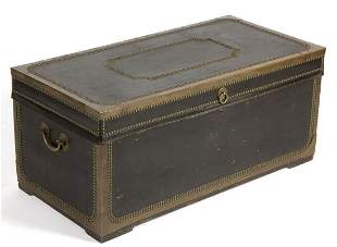 CHINESE EXPORT LEATHER-COVERED CAMPHOR WOOD CHEST /