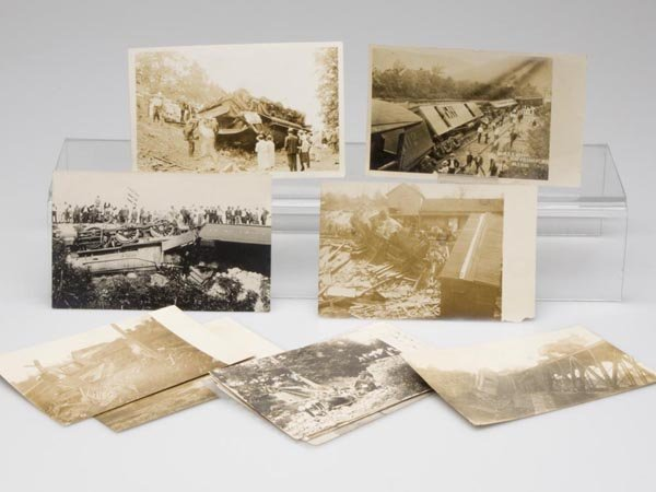 4: TRAIN WRECK REAL PHOTO POST CARDS, LOT OF TEN