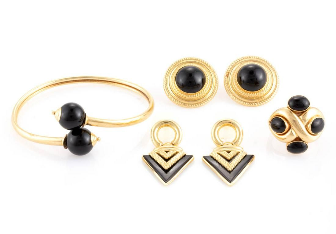 VINTAGE / CONTEMPORARY 14K YELLOW GOLD AND ONYX