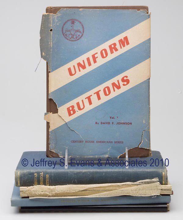 2: BUTTONS REFERENCE VOLUMES, LOT OF SIX