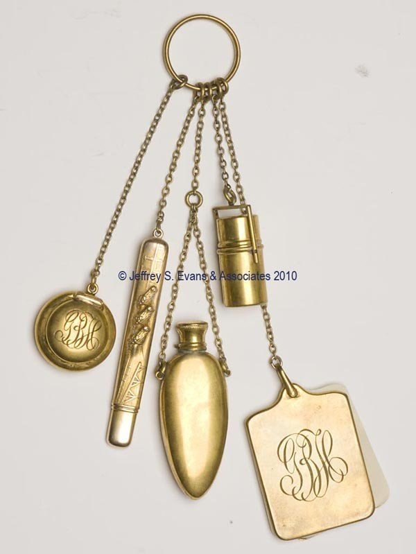 6: GOLD AND GOLD-PLATED DANCE FINGER RING CHATELAINE