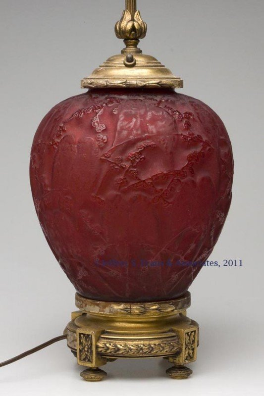 211: LALIQUE PERRUCHES MOLDED GLASS VASE LAMP