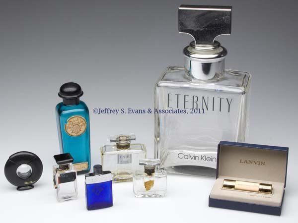 18: MODERN COMMERCIAL FRAGRANCE BOTTLES, LOT OF EIGHT