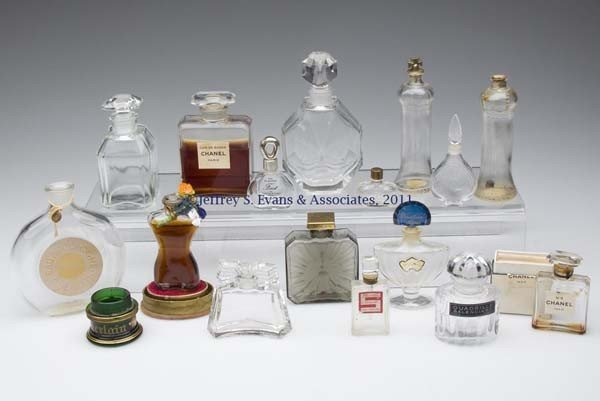 21: VARIOUS DESIGNERS' COMMERCIAL FRAGRANCE BOTTLES, LO
