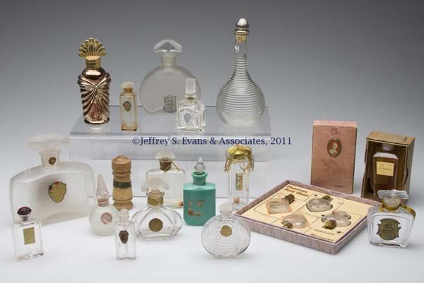 22: AMERICAN VINTAGE COMMERCIAL FRAGRANCE BOTTLES, LOT