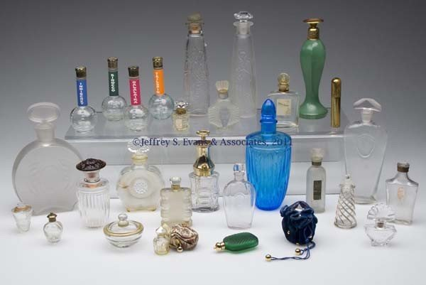24: VARIOUS VINTAGE COMMERCIAL FRAGRANCE BOTTLES, LOT O