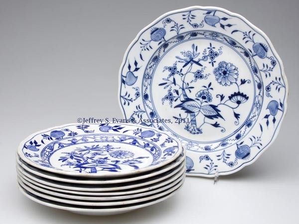 740: ENGLISH STAFFORDSHIRE AND OTHER TRANSFERWARE TABLE