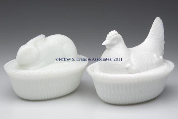 12: MCKEE ANIMAL COVERED DISHES, LOT OF TWO