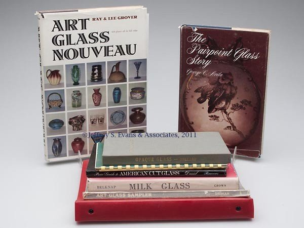8: ART AND OTHER GLASS REFERENCE VOLUMES, LOT OF EIGHT
