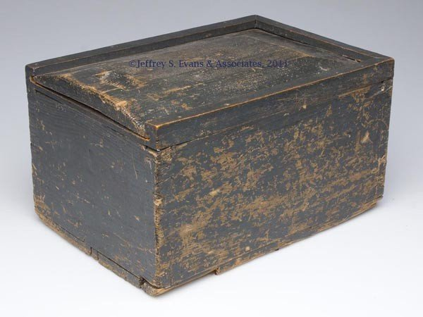 296: COUNTRY PAINTED PINE SLIDE-TOP BOX