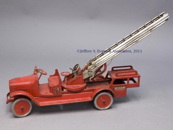 "5: BUDDY ""L"" PRESSED STEEL TOY AERIAL LADDER FIRE TRUCK"