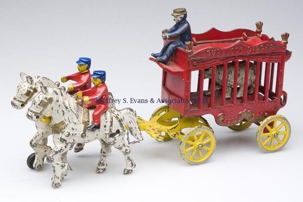 "60: KENTON ""OVERLAND CIRCUS"" CAST-IRON TOY BEAR WAGON"