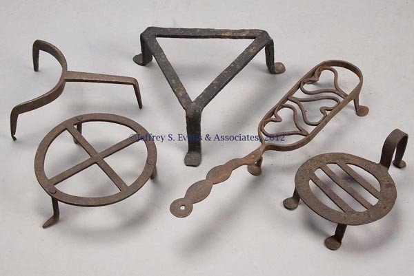 2: FIVE WROUGHT-IRON SMALL TRIVETS