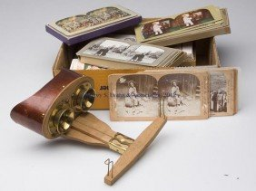 HAND-HELD STEREOVIEWER AND CARDS