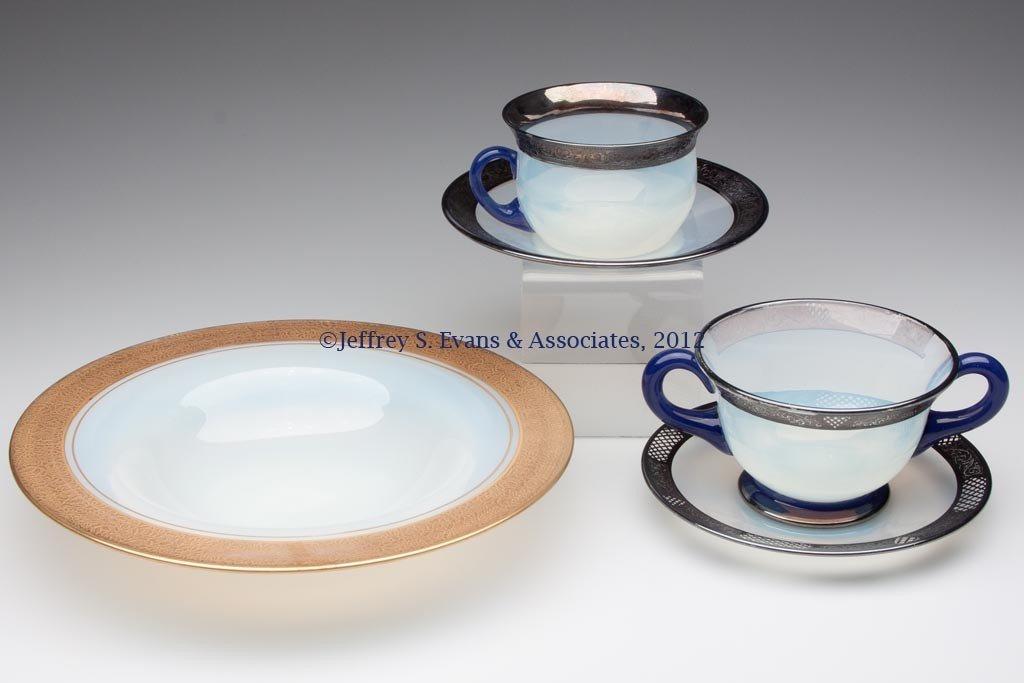 105: FRY ART GLASS ARTICLES, LOT OF FIVE