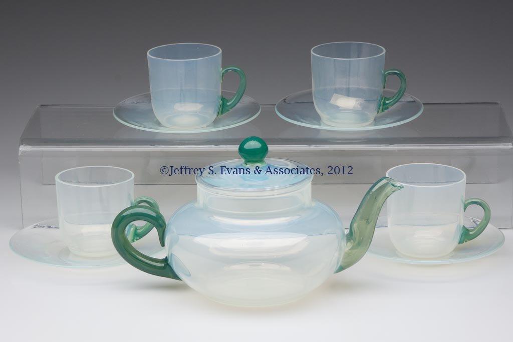 112: FRY ART GLASS ARTICLES, LOT OF NINE