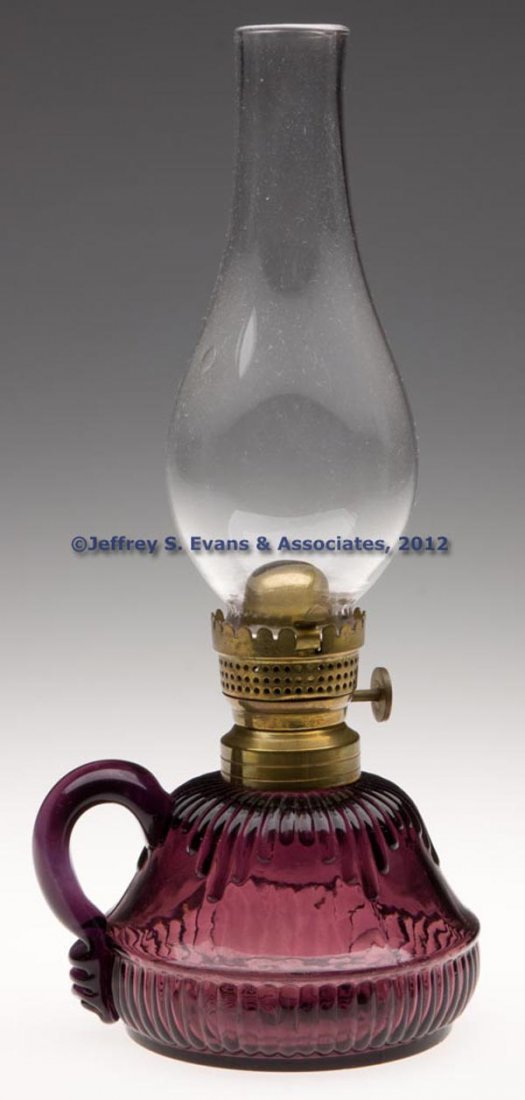 71: UNIDENTIFIED RIBBED FINGER LAMP