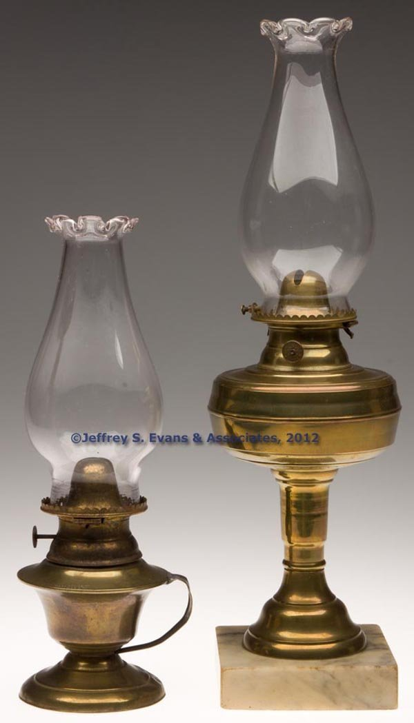 162: VARIOUS BRASS LAMPS, LOT OF TWO