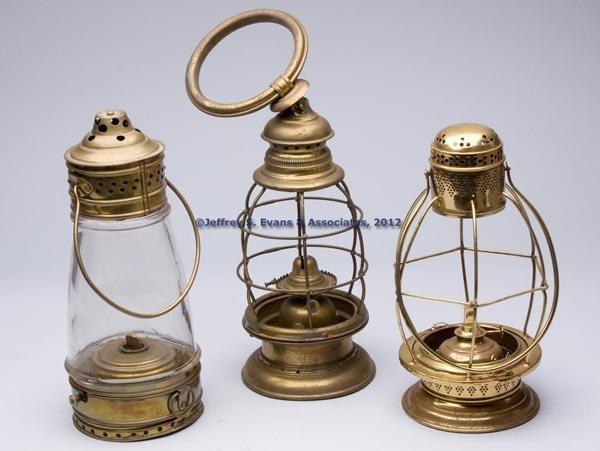 616: VARIOUS BRASS LANTERNS, LOT OF THREE