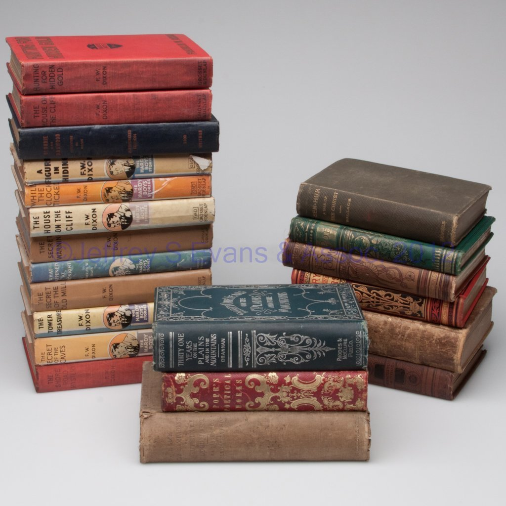 16: VARIOUS VOLUMES, LOT OF 21
