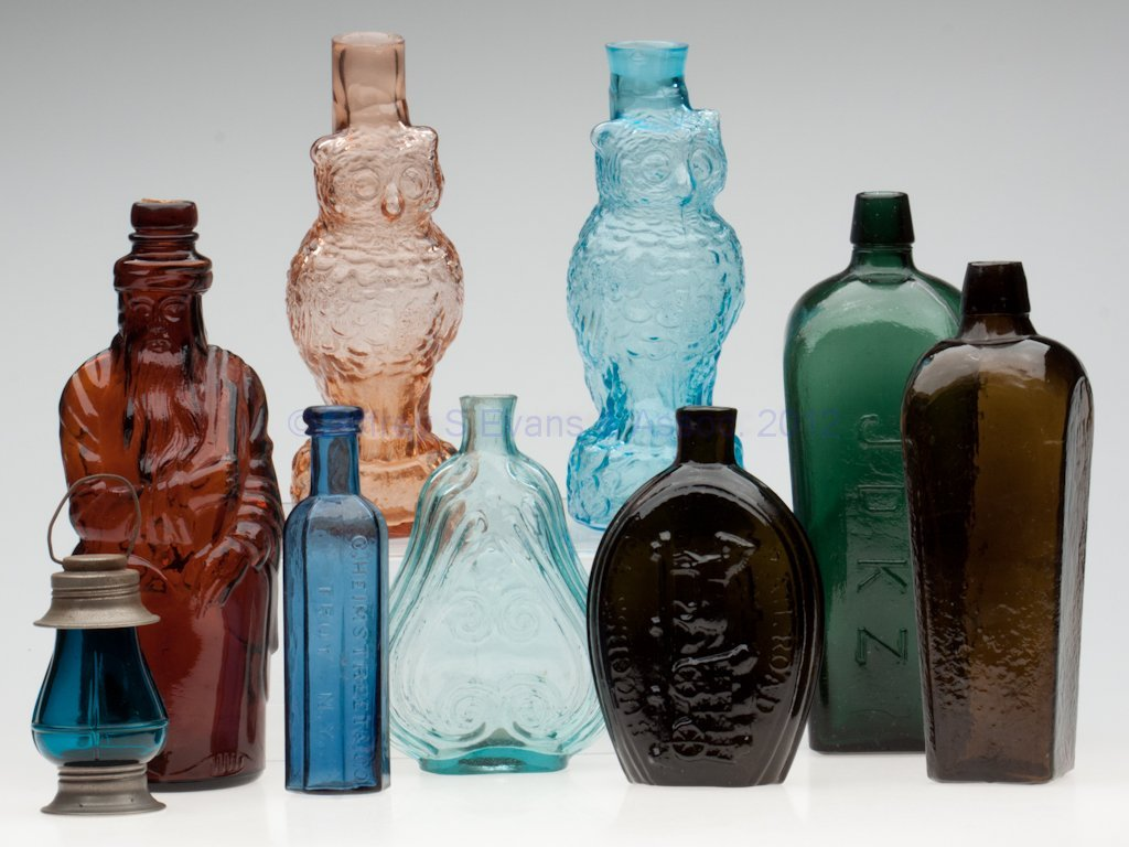 9: ASSORTED BOTTLES AND RELATED ITEMS, LOT OF NINE