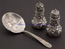 557 AMERICAN REPOUSSE STERLING SILVER ARTICLES LOT OF
