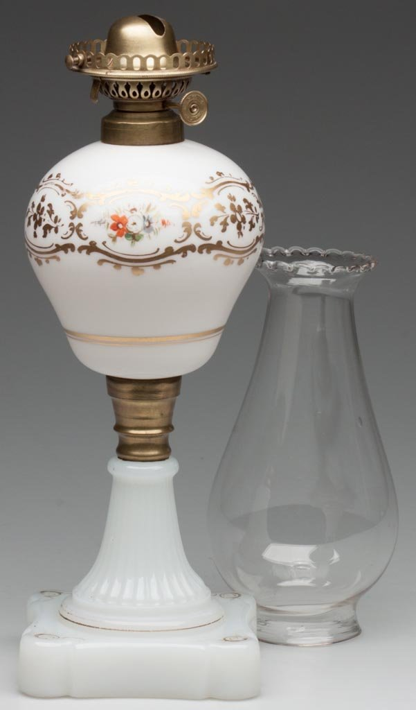 BLOWN-MOLDED AND DECORATED STAND LAMP