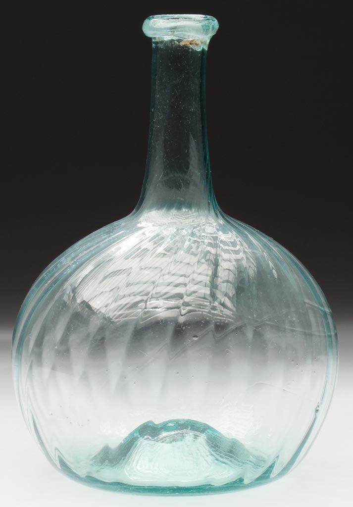 PATTERN-MOLDED SWIRL GLOBULAR BOTTLE