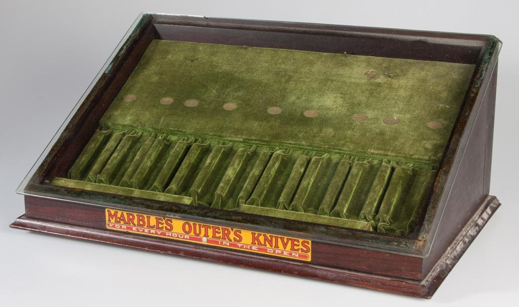 """MARBLE'S """"OUTER'S KNIVES"""" STORE DISPLAY CASE"""