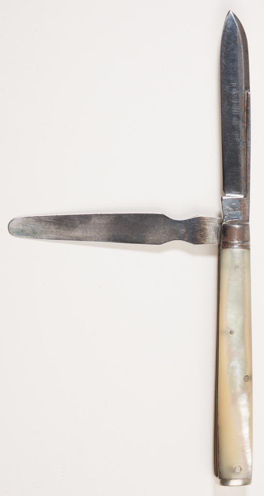 REMINGTON MOTHER-OF-PEARL GENTLEMAN'S POCKET KNIFE