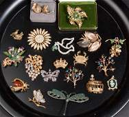 ASSORTED VINTAGE COSTUME JEWELRY LOT OF 19 PIECES