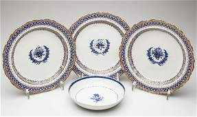 CHINESE EXPORT PORCELAIN TABLE ARTICLES, LOT OF FOUR