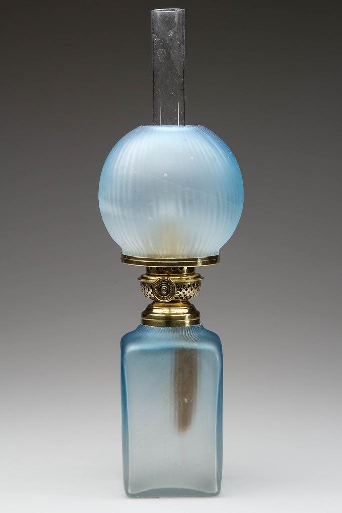 FINE RIBBED PATTERN MINIATURE LAMP