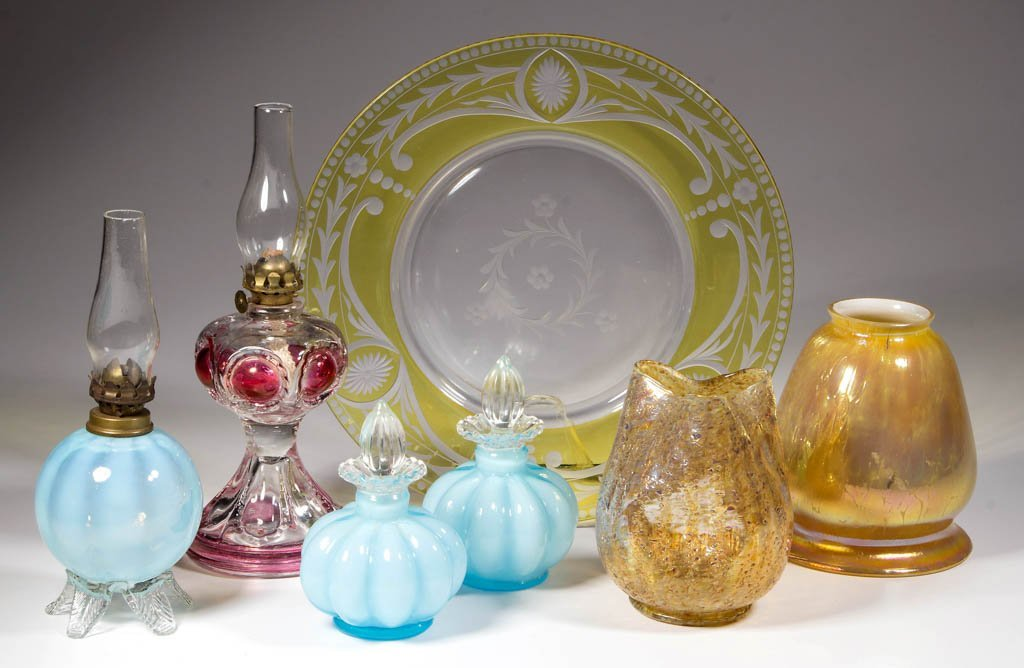 ASSORTED GLASS ARTICLES, LOT OF SEVEN