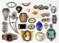 ASSORTED VINTAGE COSTUME JEWELRY LOT OF 24