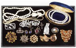 ASSORTED VINTAGE COSTUME JEWELRY LOT OF 17 PIECES