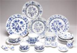 ASSORTED BLUE ONION PORCELAIN TABLE ARTICLES LOT OF 23