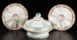 FRENCH AND ENGLISH PORCELAIN TABLE ARTICLES, LOT OF