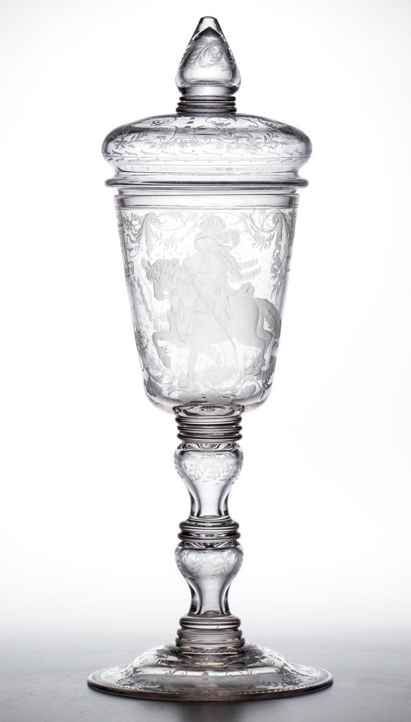 CONTINENTAL FREE-BLOWN AND ENGRAVED BALUSTER POKAL AND