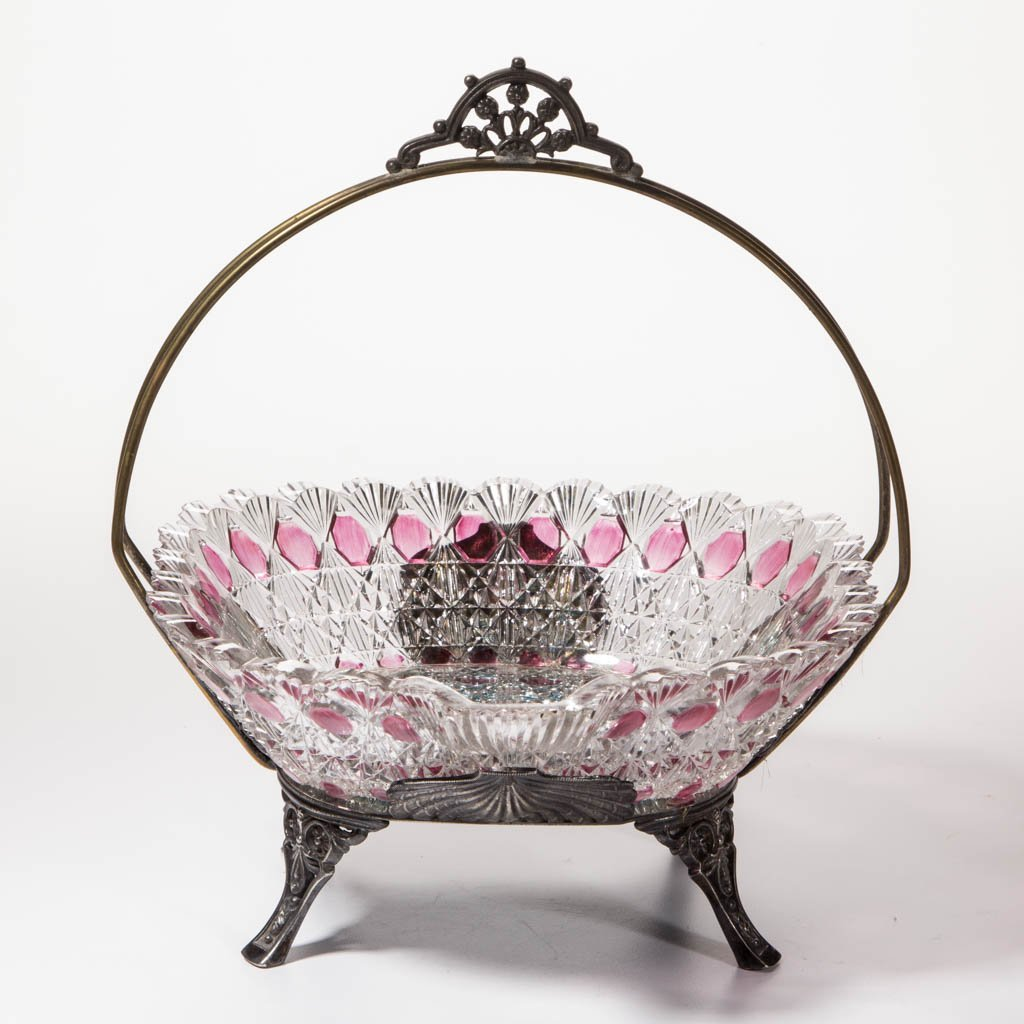 FINECUT AND BLOCK - PINK-STAINED BRIDE'S BOWL
