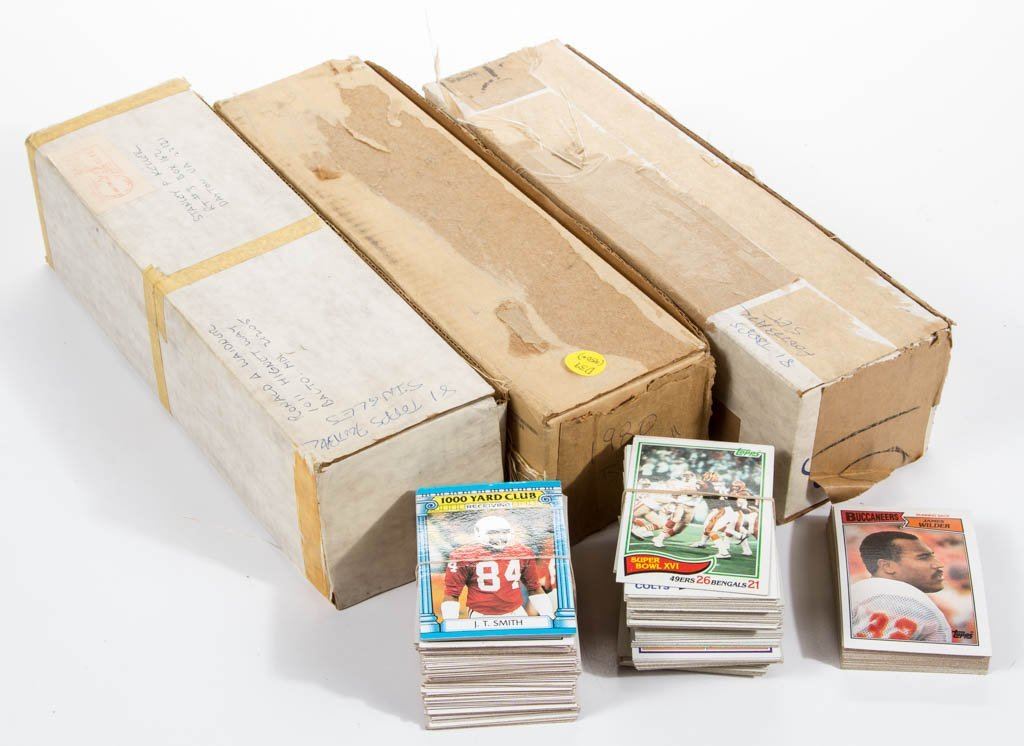 1980 AND 1981 TOPPS FOOTBALL CARDS COMPLETE SETS, LOT
