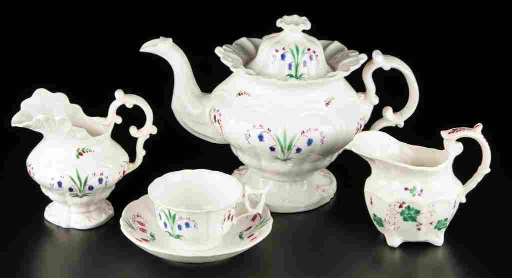 ENGLISH STAFFORDSHIRE PORCELAIN NEO-ROCOCO TEA
