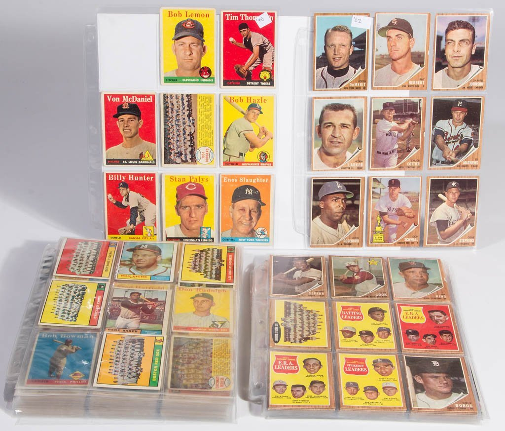 1950'S AND 1960'S TOPPS BASEBALL CARDS, LOT OF 326