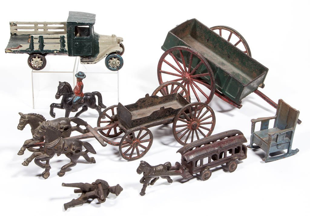 ASSORTED CAST-IRON TOYS, LOT OF EIGHT PIECES