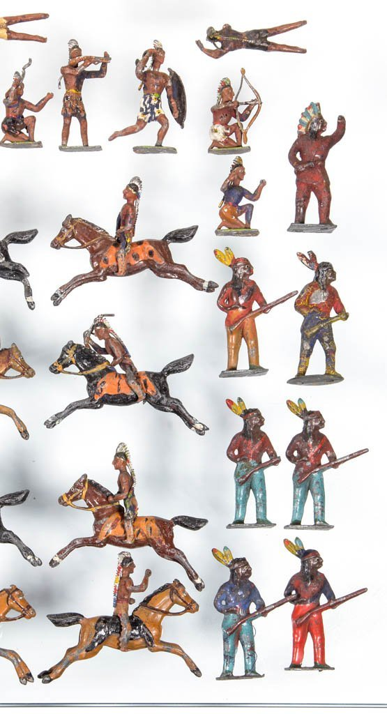 CAST-LEAD NATIVE AMERICAN TOY SOLDIERS - 4