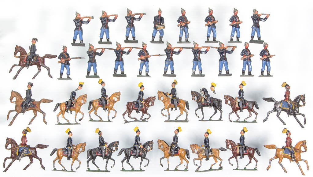 ASSORTED CAST-LEAD TOY SOLDIERS, LOT OF 34